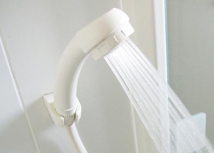 シャワーから出るお湯